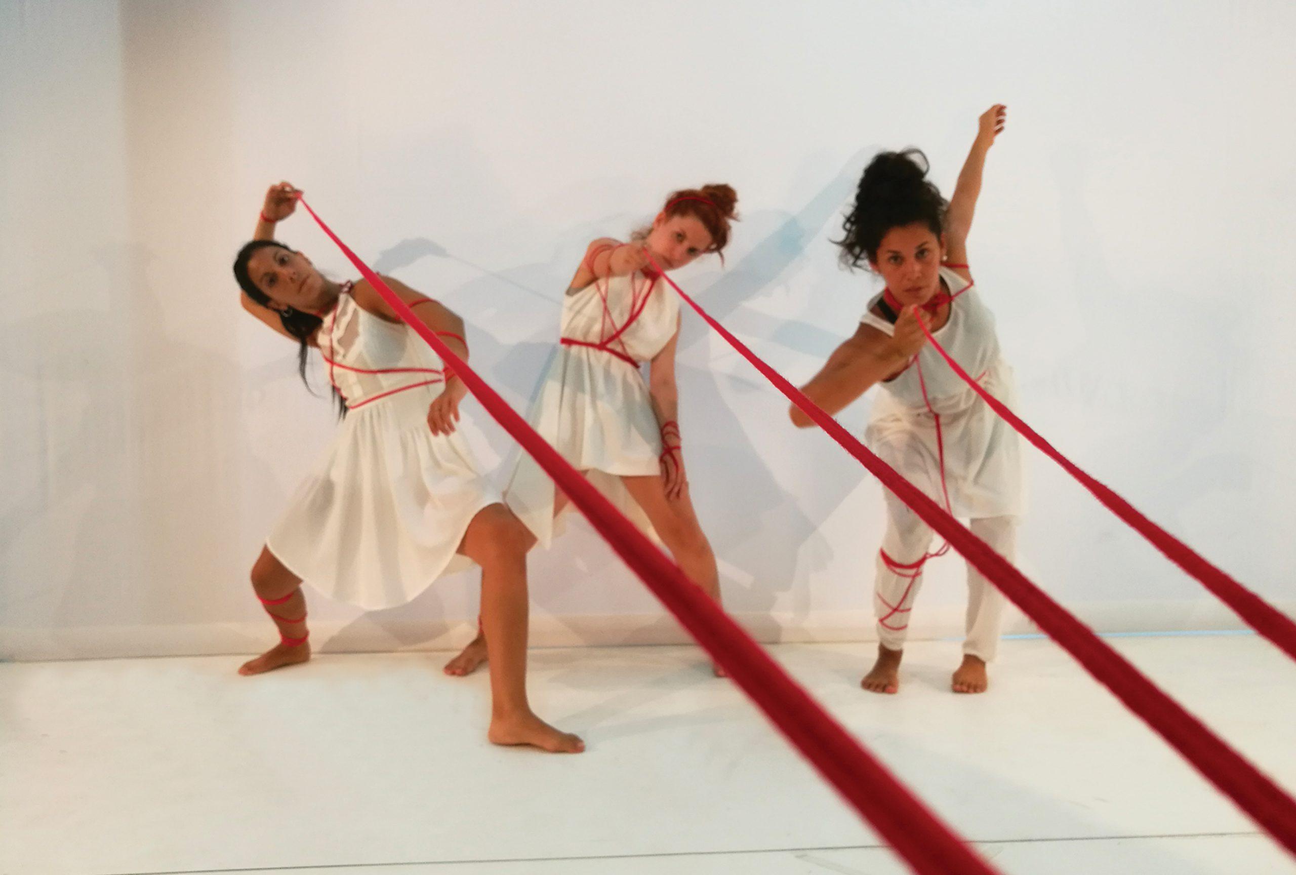 "MANDALA DANCE COMPANY ""Le Fils Rouges"""